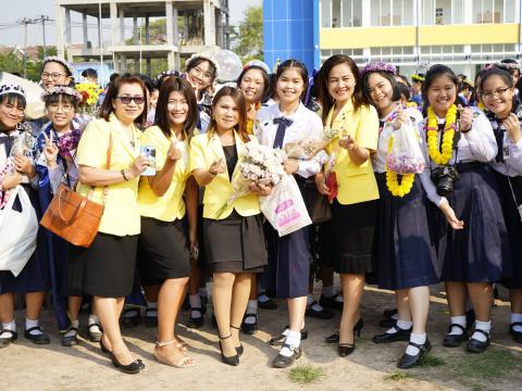 สานสัมพันธ์น้อง-พี่ สตรีศึกษา